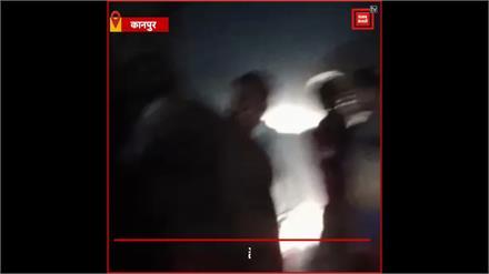 योगी जी महिला सुरक्षा के दावों की खुली पोल, बीच सड़क पर तीन लड़कियों को घसीट-घसीट कर मारा