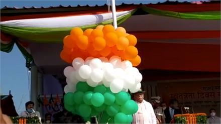 प्रदेश में 74वें स्वतंत्रता दिवस की धूमधाम, राज्पाल ने राजभवन में तो सीएम ने पंचकूला में किया ध्वजारोहण