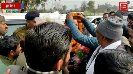 ऊना के रविकांत, चंडीगढ़ में बने मेयर... घर लौटते ही हुआ जबरदस्त स्वागत, सुनिए क्या कह रहे