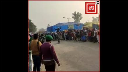 किसानों में जोश भरने के लिए राजस्थान से सिंघु बॉर्डर पहुंचे स्टंटबाज