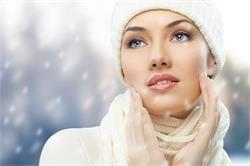 सर्दियों में भी इस तरह रखें अपनी स्किन को ग्लोइंग
