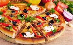 मिनटों में बनाएं टेस्टी अचारी पनीर पिज्जा
