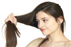 बालों को कलर करना चाहते हैं तो रखें इन बातों का ध्यान (pics)