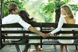 कैसे पता लगाएं कि पति धोखा दे रहा है (pics)