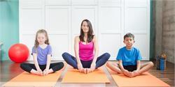 बच्चों को जरूर सिखाएं ये 4 योगासन, बढ़ती हैं भूख (pics)