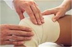 Knee रिप्लेसमेंट सर्जरी करवा रहें है तो पहले जान लें इसके नुकसान