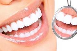 DIY Toothpaste: दांतों में नहीं लगेगा कीड़ा और पीलापन भी हो जाएगा दूर