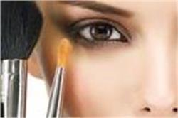 सेंसिटिव आंखों को एलर्जी से बचाते है ये 5 मेकअप टिप्स