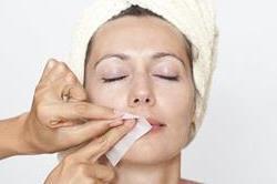 Face Waxing करवाने से पहले करें इन बातों पर गौर