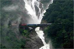 ये है भारत के 6 सबसे खूबसूरत और बेहद खतरनाक Train Track