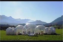 बेहद खूबसूरत है 'बुलबुलों' की तरह बना ये होटल, आप भी ले कैम्पेनिंग का मजा