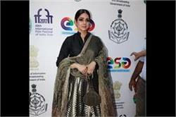 डिजाइनर मनीष मल्होत्रा के आउटफिट में श्रीदेवी का दिखा Gorgeous look