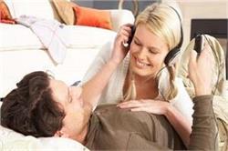 बोरिंग शादीशुदा लाइफ को इन Amazing Ideas से बनाएं रोमांटिक