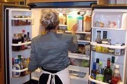 फ्रिज की बदबू को दूर करने के आसान उपाय