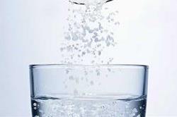 नमक वाले पानी के 5 ऐसे फायदे, जो नहीं जानते होंगे आप