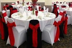 Wedding decoration में chairs को भी दें खास थीम