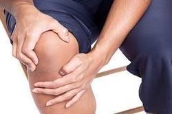 नींबू के छिलकों से करें घुटनों का दर्द गायब