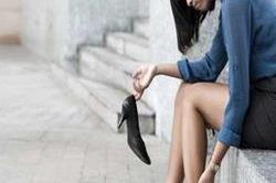 नए जूते से पैर कटने पर अपनाएं ये ट्रिक्स!