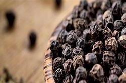 छोटी-सी काली मिर्च के बड़े-बड़े फायदे