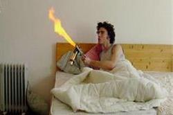 मच्छरों ने उड़ा रखी है रातोें की नींद तो अपनाएं ये घरेलू तरीका