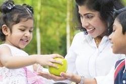अपने बच्चे को जरूर सिखाएं ये 10 अच्छी बातें