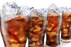 आज ही छोड दें कोल्ड ड्रिंक पीना, सेहत को पहुंच रहा है नुकसान
