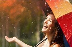 Rainy Season में भी खूबसूरती रखें बरकरार
