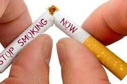 सिगरेट नहीं छोड़ रही पीछा तो खाने शुरू करें ये आहार