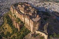 ये है भारत का सबसे बड़ा किला, अंदर है कई और महल