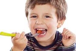 इन फ्रूड्स की मदद से करें बच्चों के इम्यून सिस्टम को बूस्ट