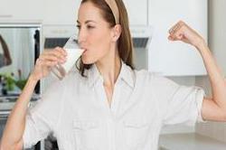 दूध में मिला कर पीए ये चीजें, दूर होगीं कई बीमारियां