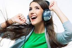 ज्यादा देर तक सुनेंगे गाने तो झेलनी पड़ेगी कई परेशानियां