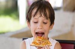 इन चीजों को खाने से बच्चों का लीवर हो सकता है खराब