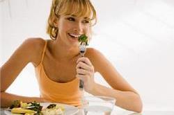 खाना Digest करने में मदद करेंगे ये 'फूड्स'