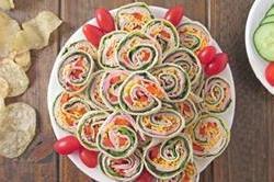 सिर्फ 5 मिनट में बनाकर खाएं Pinwheel sandwich