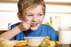 बच्चों का वजन बढ़ाने के लिए बेहद फायदेमंद है ये 5 फ्रूड्स
