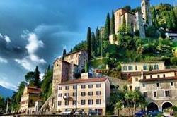 पहाड़ों की गोद में बसे है ये खूबसूरत गांव, देखिए तस्वीरें