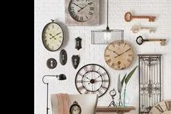 कहीं आप तो नहीं फेंक देते Wall Clocks? इनसे दीवारों को दें Decent Look