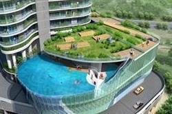 40वीं मंजिल पर बना है यह स्वीमिंग पुल, तैरने के लिए चाहिए हिम्मत