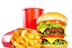 इम्युनिटी सिस्टम को खराब कर सकती हैं खाने की ये आदतें