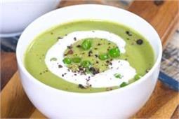 घर पर बनाएं गर्मा-गर्म Roasted Garlic Green Peas Soup