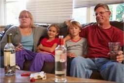 बच्चों पर बुरा असर डालता है माता-पिता का ऐसा लाइफस्टाइल