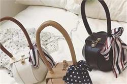 डिजाइनर आउटफिट्स ही नहीं, Handbags भी बनाते हैं आपकी लुक को ग्रेसफुल