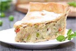 फ्राई नहीं ओवन में बनाएं इंडियन Samosa Pie