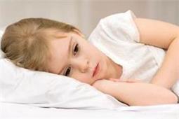 Anxiety से रात भर नहीं सो पाता बच्चा तो ऐसे करें उसकी मदद