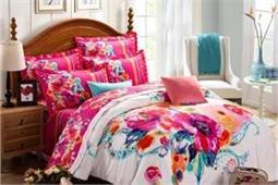 गर्मियों में बिछाएं इस तरह की बेडशीट, कमरा रहेगा खिला-खिला