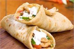 बच्चों को बना कर खिलाएं Chicken Shawarma
