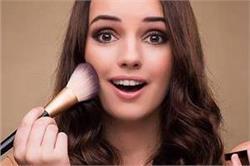 हर दिन दिखना है परफैक्ट तो Make-up Kit में शामिल करें ये 10 चीजें