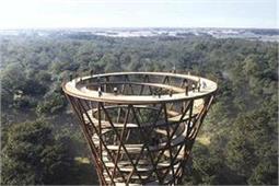 दुनिया का सबसे ऊंचा टॉवर, ऊपर से देखेंगे तो घूम जाएगा सिर