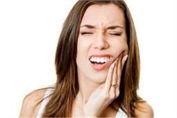 दांतों में ठंडा-गर्म लगने की समस्या दूर करेंगे ये असरदार नुस्खे